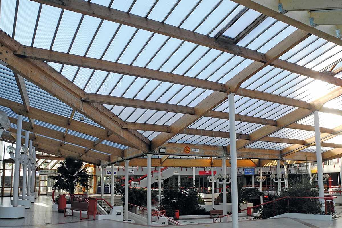 Akraplast bevilágító | bevásárlócsarnok | Izland
